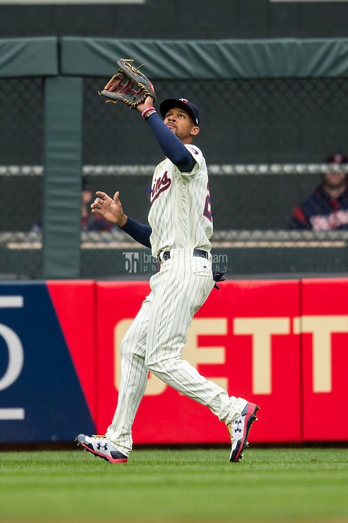 MINNEAPOLIS, MN- APRIL 5: Byron Buxton #25 of the Minnesota Twins fields against the Kansas City Royals on April 5, 2017 at Target Field in Minneapolis, Minnesota. The Twins defeated the Royals 9-1. (Photo by Brace Hemmelgarn) *** Local Caption *** Byron Buxton