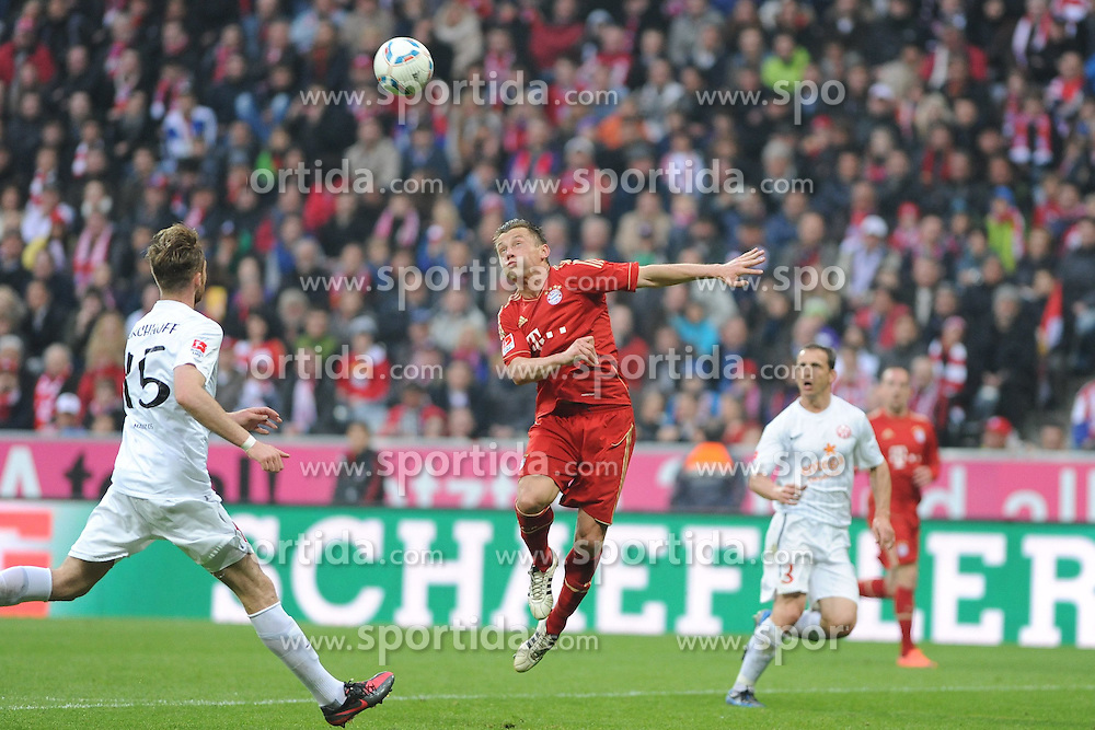 14.04.2012, Allianz Arena, Muenchen, GER, FC Bayern Muenchen vs FSV Mainz 05, 31. Spieltag, im Bild Ivica OLIC (FC Bayern Muenchen) streckt sich vergebens. // during the German Bundesliga Match, 31th Round between VFC Bayern Munich and FSV Mainz 05 at the Allianz Arena, Munich, Germany on 2012/04/14. EXPA Pictures © 2012, PhotoCredit: EXPA/ Eibner/ Wolfgang Stuetzle..***** ATTENTION - OUT OF GER *****
