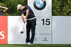 25.06.2015, Golfclub München Eichenried, Muenchen, GER, BMW International Golf Open, im Bild Martin Kaymer (GER) am Abschlag, Tee // during the BMW International Golf Open at the Golfclub München Eichenried in Muenchen, Germany on 2015/06/25. EXPA Pictures © 2015, PhotoCredit: EXPA/ Eibner-Pressefoto/ Kolbert<br /> <br /> *****ATTENTION - OUT of GER*****