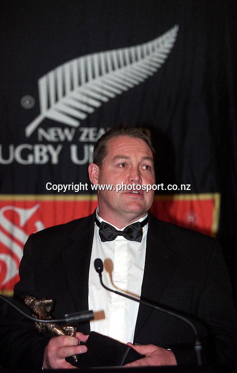 Coach Steve Hansen at the NZRFU Awards, 4 December, 2002, Auckland. Photo: Chris Skelton/PHOTOSPORT *** Local Caption ***