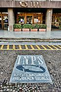 Roma 30 Novembre 2012. La sede del INPS, Istituto Nazionale Previdenza Sociale..