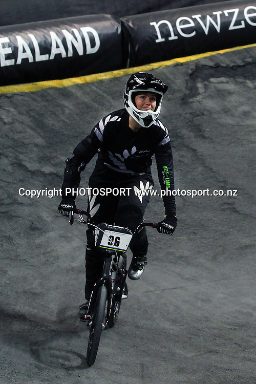 Sarah Walker of New Zealand completes the lap with injury. UCI BMX World Championships, Vector Arena, Auckland, New Zealand. Sunday 28th July 2013. Photo: Anthony Au-Yeung / photosport.co.nz