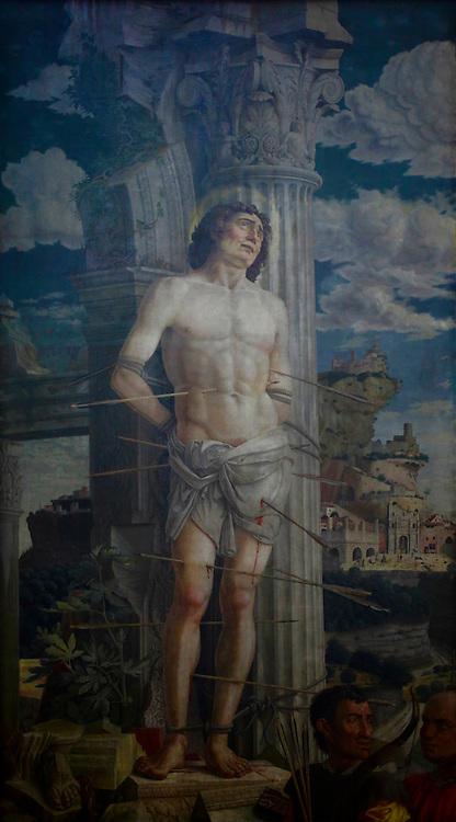 Le Saint S&eacute;bastien du Louvre. Andr&eacute;a Mantegna.<br /> <br /> 15eme si&egrave;cle.<br /> <br /> Mus&eacute;e du Louvre, Paris, France