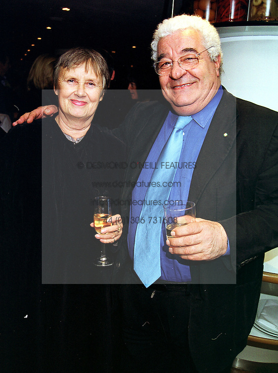 Actor ANTONIO CARLUCCIO and his wife PRISCILLA CARLUCCIO, at a party in London on 20th October 1999.MXZ 3