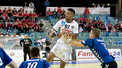 02.11.2016, Arena Nova, Wiener Neustadt, AUT, EHF, Handball EM Qualifikation, Österreich vs Finnland, Gruppe 3, im Bild Raul Santos (AUT), Richard Sundberg (FIN)// during the EHF Handball European Championship 2018, Group 3, Qualifier Match between Austria and Finland at the Arena Nova, Wiener Neustadt, Austria on 2016/11/02. EXPA Pictures © 2016, PhotoCredit: EXPA/ Sebastian Pucher
