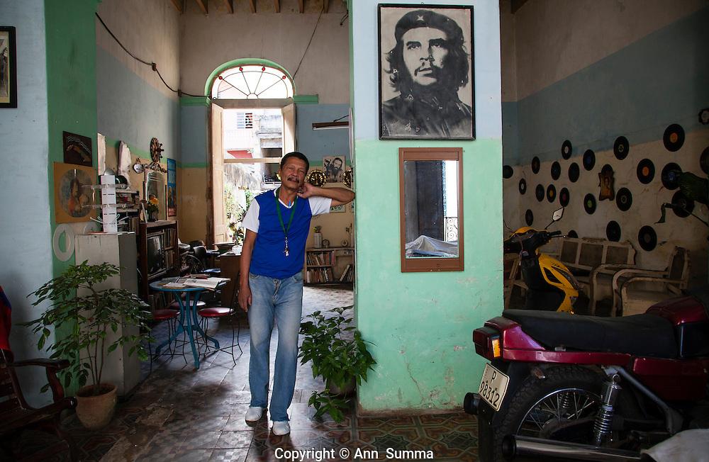 Havana, Cuba: Armando Ricartemente Batista has decorated the interior of his home creatiely with old vinyl lps (Photo: Ann Summa).
