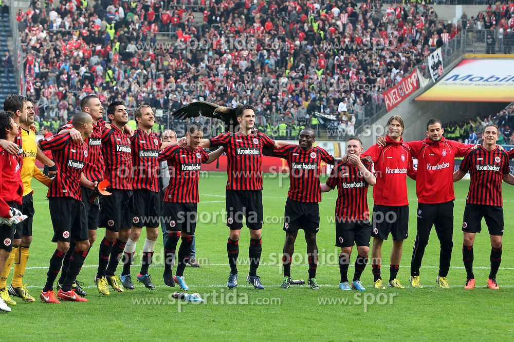 04.05.2013, Commerzbank Arena, Frankfurt, GER, 1. FBL, Eintracht Frankfurt vs Fortuna Duesseldorf, 32. Runde, im Bild Torwart Oka Nikolov (Frankfurt), Bamba Anderson (Frankfurt), Alexander Meier (Frankfurt), Carlos Zambrano (Frankfurt), Stefano Celozzi (Frankfurt), Srdjan Lakic (Frankfurt), Constant Djakpa (Frankfurt), Marc Stendera (Frankfurt), Martin Lanig (Frankfurt) u. Bastian Oczipka (Frankfurt) feiern nach dem SIeg mit den Fans // during the German Bundesliga 32th round match between Eintracht Frankfurt and Fortuna Duesseldorf at the Commerzbank Arena, Frankfurt, Germany on 2013/05/04. EXPA Pictures © 2013, PhotoCredit: EXPA/ Eibner/ Bildpressehaus..***** ATTENTION - OUT OF GER *****