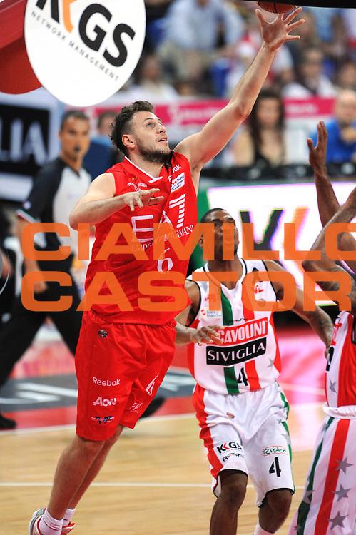 DESCRIZIONE : Pesaro  Lega A 2011-12 Scavolini Siviglia Pesaro EA7 Emporio Armani Milano  play off semifinale gara 3<br /> GIOCATORE : Stefano Mancinelli<br /> CATEGORIA : tiro<br /> SQUADRA : EA7 Emporio Armani Milano<br /> EVENTO : Campionato Lega A 2011-2012 Play off semifinale gara 3<br /> GARA : Scavolini Siviglia Pesaro  EA7 Emporio Armani Milano <br /> DATA : 02/06/2012<br /> SPORT : Pallacanestro <br /> AUTORE : Agenzia Ciamillo-Castoria/ GiulioCiamillo<br /> Galleria : Lega Basket A 2011-2012  <br /> Fotonotizia : Pesaro  Lega A 2011-12 Scavolini Siviglia Pesaro EA7 Emporio Armani Milano play off semifinale gara 3<br /> Predefinita :