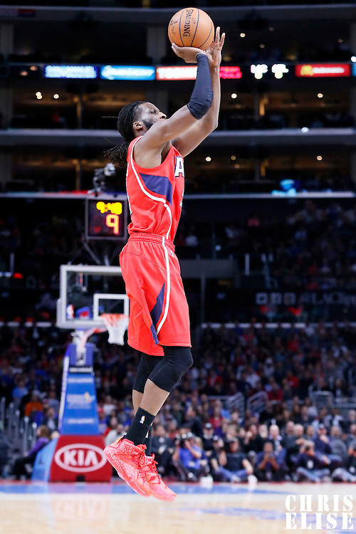 05 January 2014: Atlanta Hawks forward DeMarre Carroll (5) takes a jump shot during the Atlanta Hawks 107-98 victory over the Los Angeles Clippers, at the Staples Center, Los Angeles, California, USA.