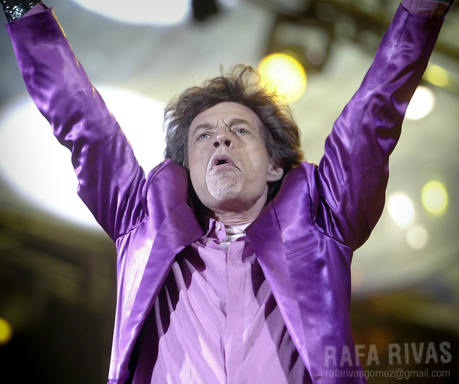 British rock musician Mick Jagger performs in the first concert of the Rolling Stones Spanish Tour 2003 in San Mames stadium in the northern city of Bilbao, on June 25, 2003. Photo Rafa Rivas