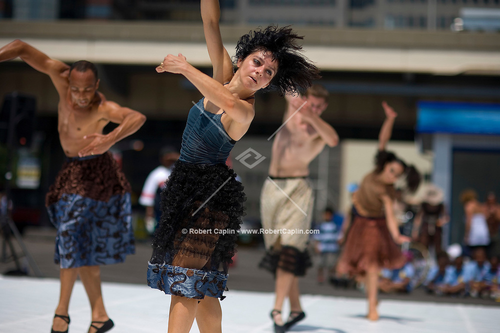 Maktub 360 Dance company preforms at the South Street Seaport. July 21, 2008. Robert Caplin For The New York Times