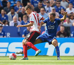 Jack Rodwell of Sunderland (L) and Daniel Drinkwater of Leicester City in action  - Mandatory byline: Jack Phillips/JMP - 07966386802 - 08/08/2015 - SPORT - FOOTBALL - Leicester - King Power Stadium - Leicester City v Sunderland - Barclays Premier League
