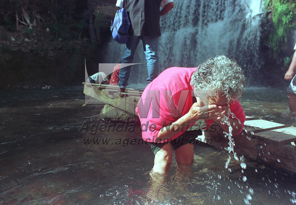 Ocuilan, M&eacute;x.- El rio del Santuario de Chalma lugar donde asisten cientos de miles de peregrinos durante todo el a&ntilde;o. Agencia MVT / Mario B. Arciniega. (FILM)<br /> <br /> NO ARCHIVAR - NO ARCHIVE