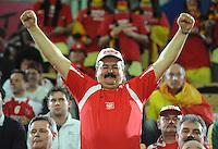 Handball EM Herren 2010 Hauptrunde Deutschland - Spanien 26.01.2010 Ein polnischer Fan feiert vor dem Spiel