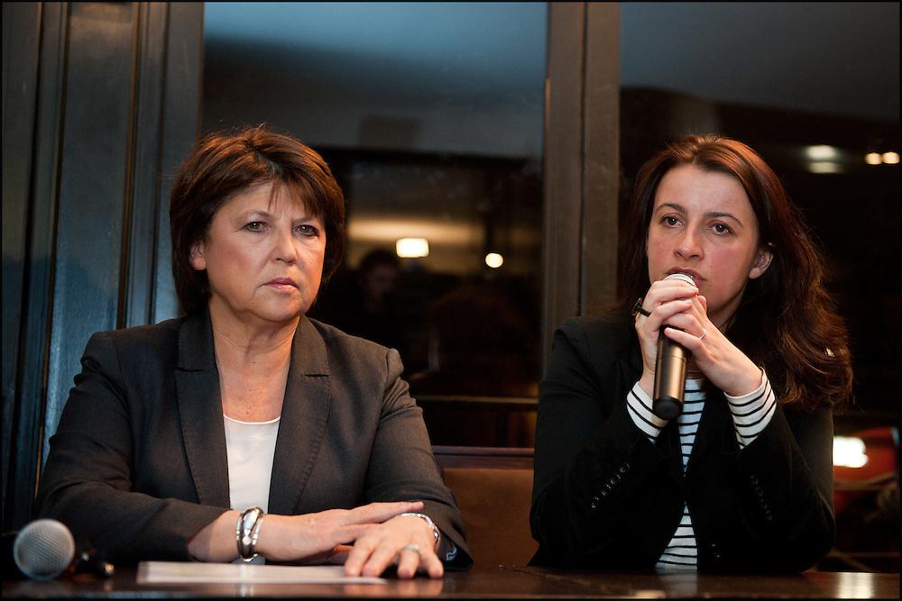 Cecile Duflot (Europe Ecologie Les Verts) et Martine Aubry (Parti Socialiste), lors de leur declaration a la presse a l'annonce des resultats. Le premier tour des elections cantonales vient de se terminer avec une participation faible et le Parti Socialiste est en tete, L'UMP est deuxieme. Paris le 21 mars 2011 © Benjamin Girette/IP3 press