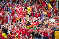 BOOM - Vreugde bij het Belgische publiek bij 1-0  tijdens de finale van het EK hockey bij de mannen tussen Belgie en Duitsland. ANP KOEN SUYK