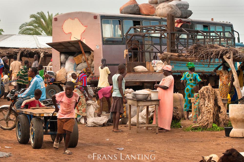 Market scene, Wechiau, Ghana