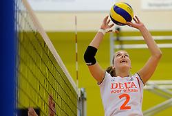 28-12-2013 VOLLEYBAL: TOPVOLLEYBAL TOURNOOI NEDERLAND BELGIE: ALMELO<br /> Nederland wint de eerste wedstrijd met 3-0 van Belgie / Femke Stoltenborg<br /> ©2013-FotoHoogendoorn.nl
