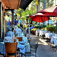 Outdoor Caf&eacute; Seating in Naples, Florida<br />