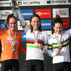28-09-2019: WK wielrennen: Weg vrouwen: Yorkshire: Annemiek van Vleuten is de nieuwe wereldkampioene. Anna van der Breggen tweede en Amanda Spratt derde.