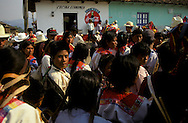 = negociation for peace in Larainzar indian village  Chiapas  Mexico /// négociation pour la paix  village de Larainzar  Chiapas  Mexique +