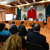 Toluca, México.- Luis Zamora Calzada, dirigente estatal del SUMAEM encabezo una serie de actividades en el marco del Día del Maestro, en el Salón Benito Juárez en la Cámara de Diputados. Agencia MVT / Crisanta Espinosa