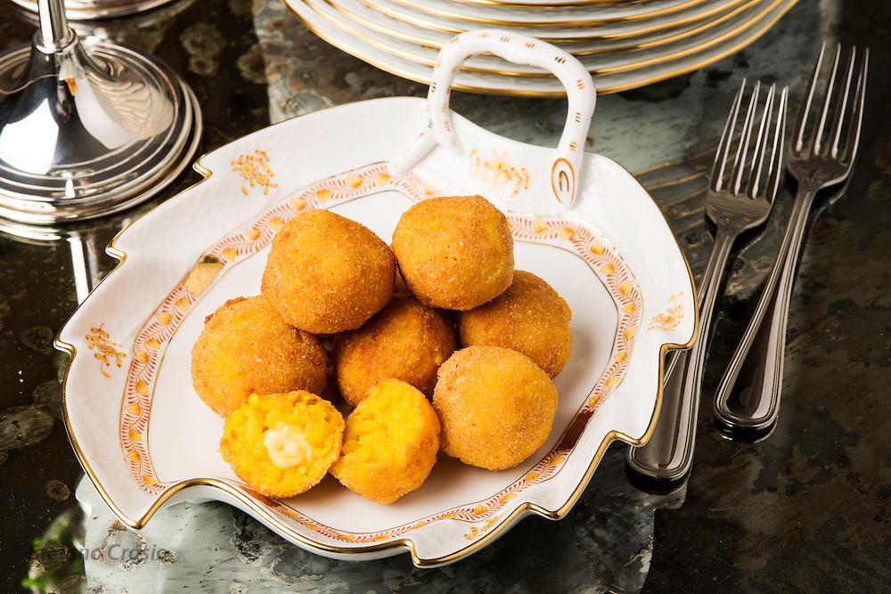 Saffron rice croquettes (Arancini di riso)