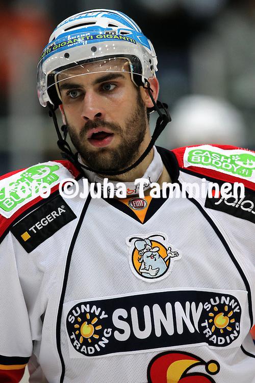 07.10.2010, H?meenlinna..J??kiekon SM-liiga 2010-11. .HPK - Jokerit..Semir Ben-Amor - Jokerit.©Juha Tamminen.