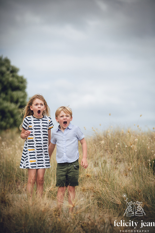 family photo shoot at pauanui on the coromandel peninsula photography by felicity jean photography coromandel photographer a collection of family portrait photos taken on the Coromandel by Felicity Jean Photography authentic, candid & natural portrait images of families having fun