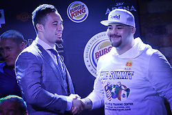 December 8, 2016 - Auckland, New Zealand - Joseph Parker shakes hands with Andy Ruiz during a Press conference ahead of the WBO world title boxing match on Sat 10 Dec. (Credit Image: © Shirkey Kwok/Pacific Press via ZUMA Wire)