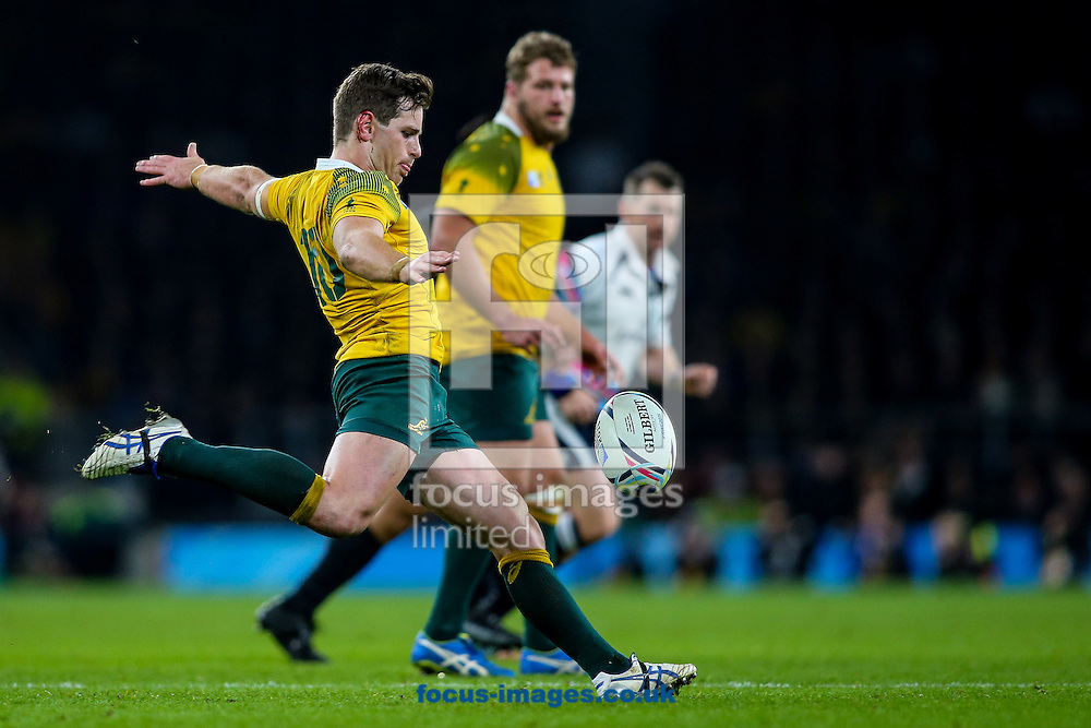 Bernard Foley of Australia clears during the final of the 2015 Rugby World Cup at Twickenham Stadium, Twickenham<br /> Picture by Andy Kearns/Focus Images Ltd 0781 864 4264<br /> 31/10/2015