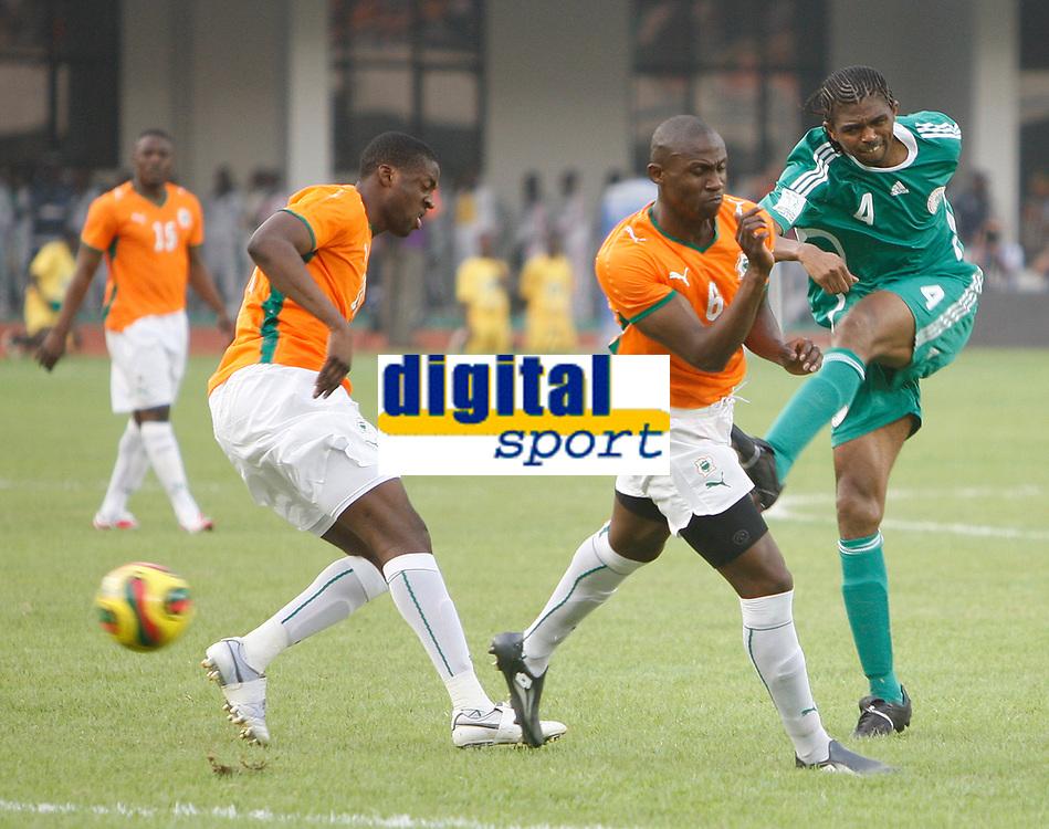 Photo: Steve Bond/Richard Lane Photography.<br />Nigeria v Ivory Coast. Africa Cup of Nations. 21/01/2008. Kanu (R) tries an early shot