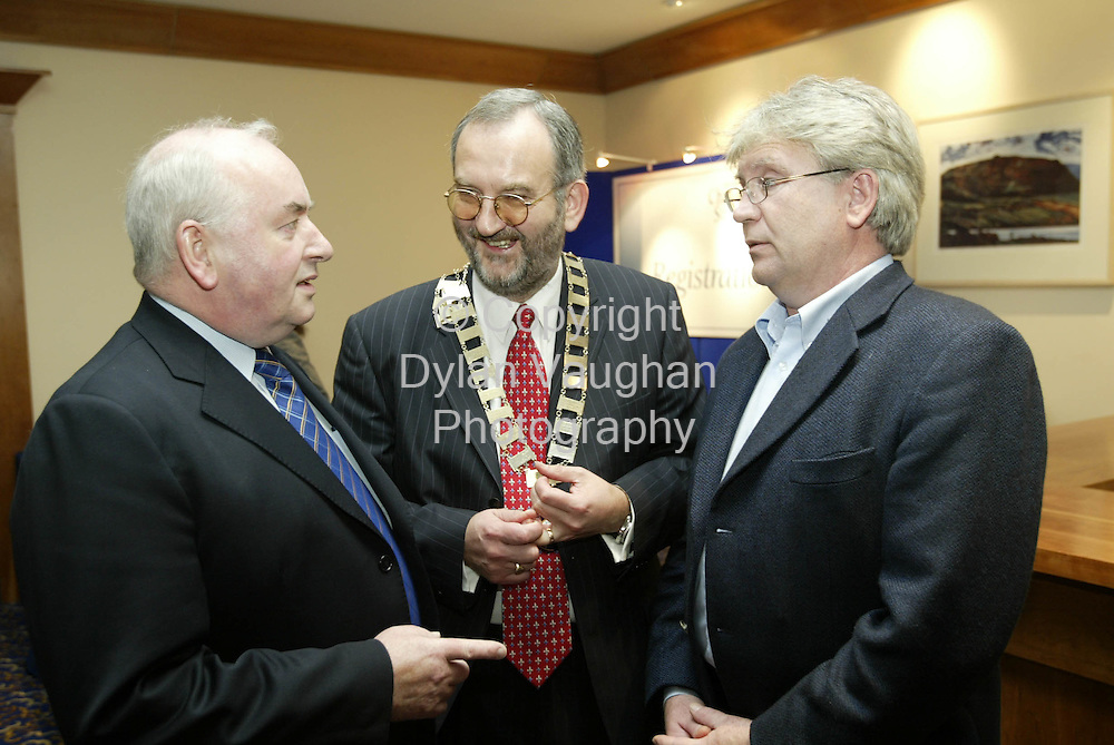 14/10/2002 Irish Examiner Property ref Tommy Barker..Pictured at the Society of Chartered Surveyors Annual Conference at the Kilkenny Ormonde Hotel was, Desmond Byrne Drohan Fanning and Partners, John Daly Society Preident and Harry Lawlor Planning and Development Consultant..Picture Dylan Vaughan