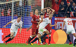 SEVILLE, SPAIN - Tuesday, November 21, 2017: Sevilla's Guido Pizarro celebrates scoring a late equalising goal to seal a dramatic 3-3 draw, after being down 3-0 at half-time, during the UEFA Champions League Group E match between Sevilla FC and Liverpool FC at the Estadio Ramón Sánchez Pizjuán. (Pic by David Rawcliffe/Propaganda)