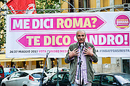 Roma 3 Maggio 2012.Sandro Medici , candidato sindaco  al comune di Roma per la lista Repubblica Romana, al  quartiere Casal Bertone.