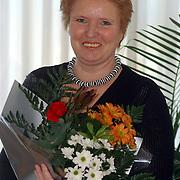 Mw. Ruissen, winnares Weekend prijsvraag gazellelaan 29 Assen