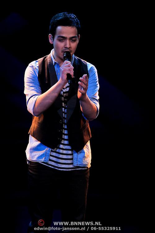 NLD/Hilversum/20100409 - 1e Live uitzending X-Factor 2010, Kelvin Muïs