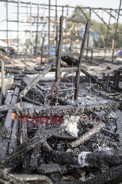 *BRAZIL ONLY* ATENÇÃO EDITOR, FOTO EMBARGADA PARA VEÍCULOS INTERNACIONAIS* wenn29926570 Demolição do campo de refugiados em Calais, França, nesta terça-feira (25). Foto: Wenn/FramePhoto