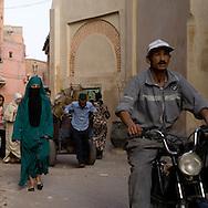 Morocco, marrakech, urban life in the medersa Ben Youssef area in the medina, old city /  la vie quotidienne dans le quartier de la medersa BEN Youssef dans la Medina, dans la vielle ville   Maroc