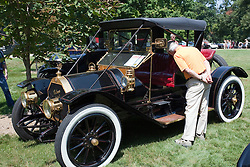 7 August 2010: 1909 Chalmers Detroit Roadster, 4 cylinder.  Antique Car show, David Davis Mansion, Bloomington Illinois