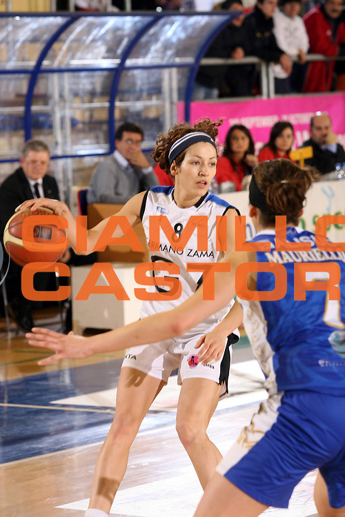 DESCRIZIONE : Taranto Coppa Italia Femminile 2006-07 Finale Germano Zama Faenza Phard Napoli <br /> GIOCATORE : Ballardini <br /> SQUADRA : Germano Zama Faenza <br /> EVENTO : Coppa Italia Femminile 2006-2007 <br /> GARA : Germano Zama Faenza Phard Napoli <br /> DATA : 15/02/2007 <br /> CATEGORIA : Palleggio <br /> SPORT : Pallacanestro <br /> AUTORE : Agenzia Ciamillo-Castoria/G.Ciamillo