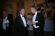 Edward Fox and Gerald Libby. Royal Academy Annual dinner to celebrate the opening of the Summer exhibition. Royal Academy. Piccadilly. London. 1 June 2005.  ONE TIME USE ONLY - DO NOT ARCHIVE  © Copyright Photograph by Dafydd Jones 66 Stockwell Park Rd. London SW9 0DA Tel 020 7733 0108 www.dafjones.com