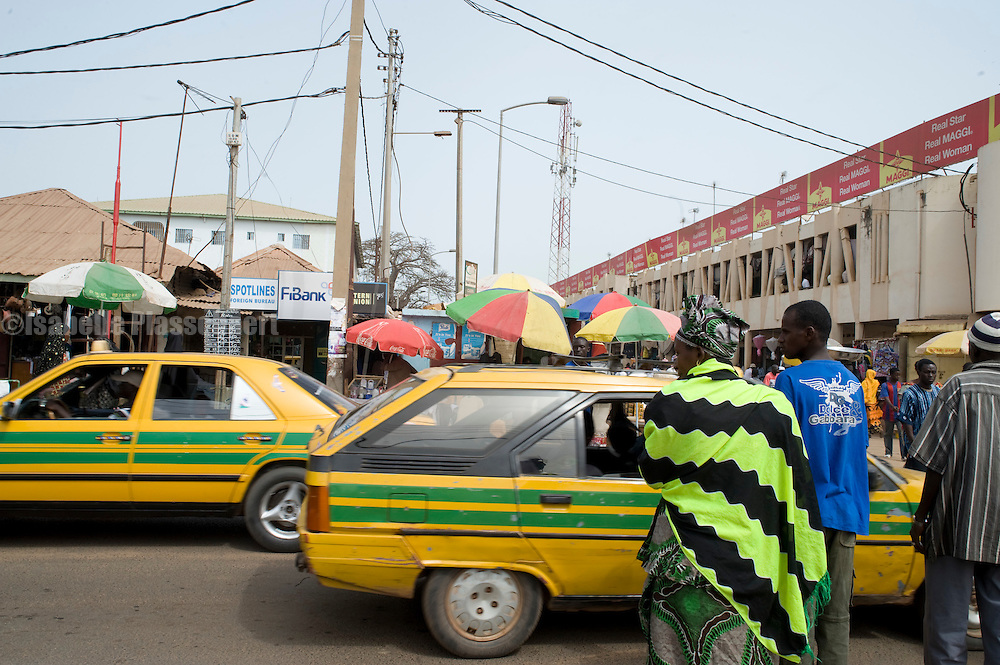 Serecunda market