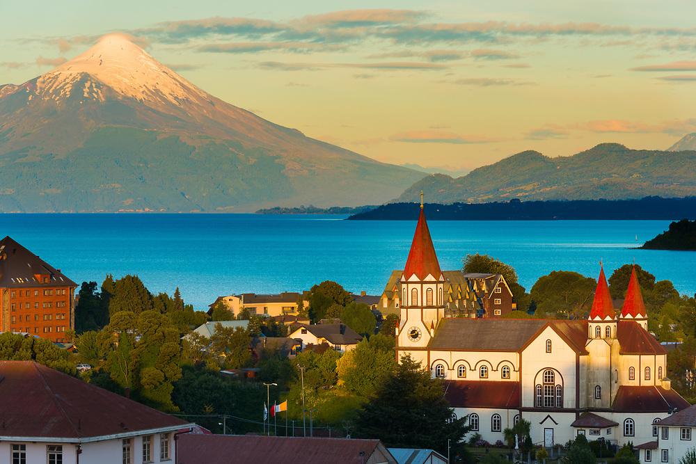 Puerto Varas at the shores of Lake Llanquihue with Osorno Volcano in the back, X Region de Los Lagos, Chile