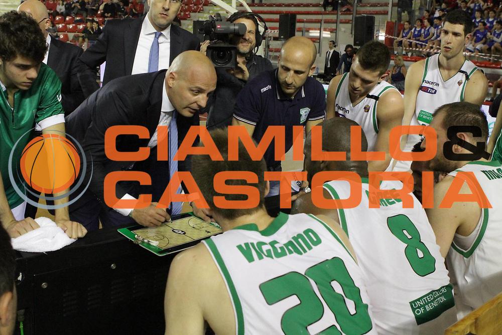 DESCRIZIONE : Roma Lega A 2011-12  Acea Virtus Roma Benetton Treviso<br /> GIOCATORE : Sasha Djordjevic<br /> CATEGORIA : time out<br /> SQUADRA : Benetton Treviso<br /> EVENTO : Campionato Lega A 2011-2012<br /> GARA : Acea Virtus Roma Benetton Treviso<br /> DATA : 01/04/2012<br /> SPORT : Pallacanestro<br /> AUTORE : Agenzia Ciamillo-Castoria/M.Simoni<br /> Galleria : Lega Basket A 2011-2012<br /> Fotonotizia : Roma Lega A 2011-12 Acea Virtus Roma Benetton Treviso<br /> Predefinita :