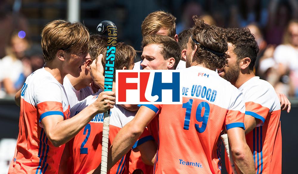 BREDA - Jeroen Hertzberger (Ned) heeft de stand op 1-0 gebracht tijdens de wedstrijd om brons tussen Nederland en Argentinie (2-0) bij de Hockey Champions Trophy. COPYRIGHT KOEN SUYK