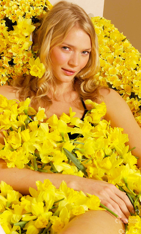 Jodie Kidd launches Marie Curie/Yellow pages Daffodil Campaign.