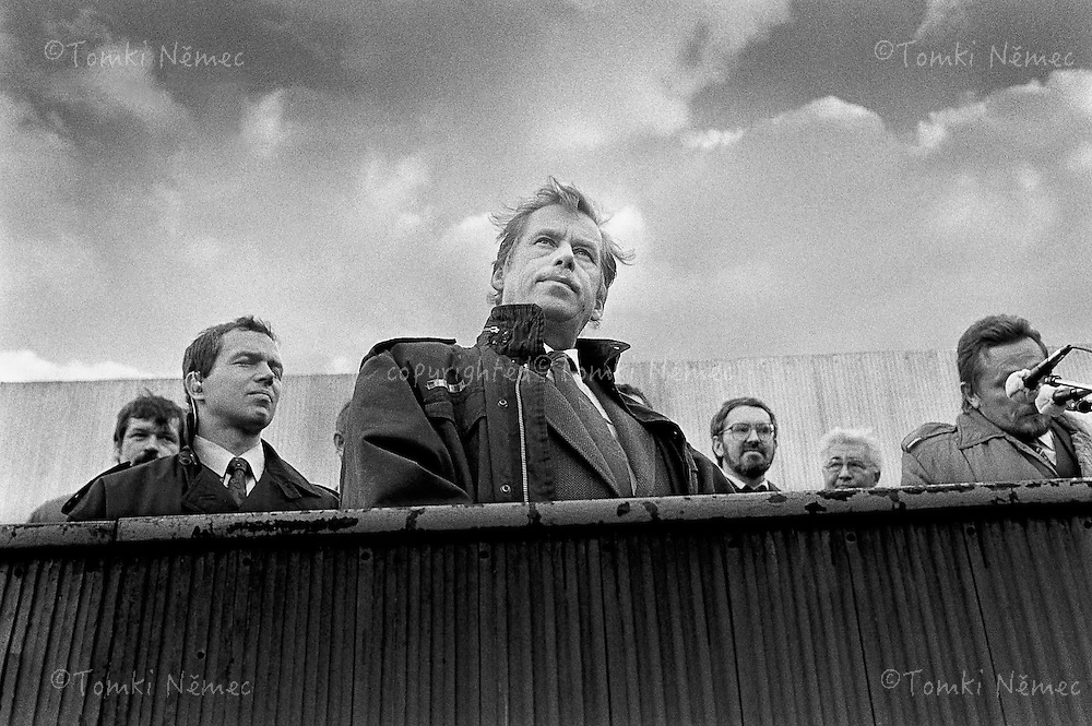 Slovakia, 30 October 1990 - Dolny Kubin.Vaclav Havel at the unveiling of a memorial plaque on the building of the Dukla cinema, on the site of a now demolished synagogue ..