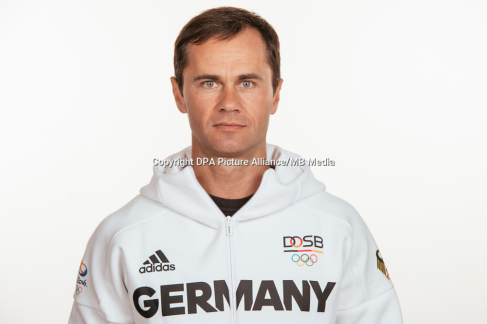 Alexander Kosenow poses at a photocall during the preparations for the Olympic Games in Rio at the Emmich Cambrai Barracks in Hanover, Germany, taken on 20/07/16 | usage worldwide