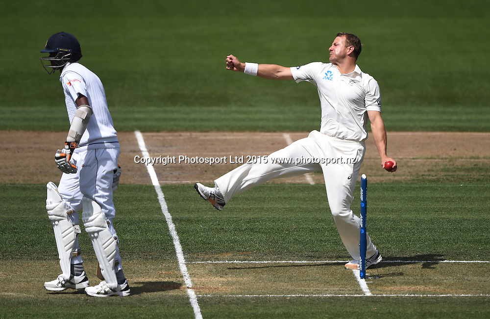 Neil Wagner bowling on day 2 of the 2nd cricket test match between New Zealand Black Caps and Sri Lanka at Seddon Park in Hamilton, New Zealand. Saturday 19 December 2015. Copyright photo: Andrew Cornaga / www.photosport.nz